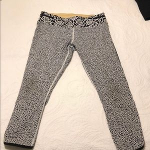 Patterned lululemon crop run tights, sz. 12